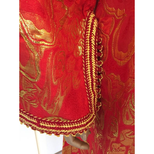Vintage 1970s Moroccan Kaftan Red and Gold Floral Brocade Caftan Maxi Dress For Sale In Los Angeles - Image 6 of 9