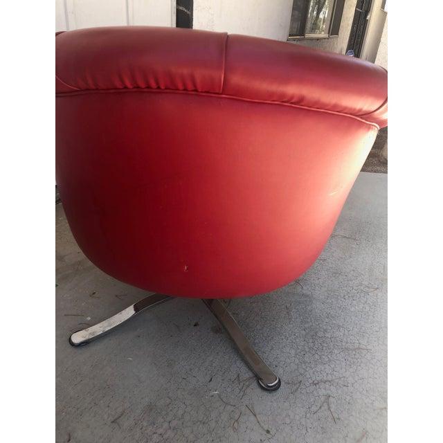 1970s Vintage Red Vinyl Swivel Barrel Chair For Sale In Las Vegas - Image 6 of 8