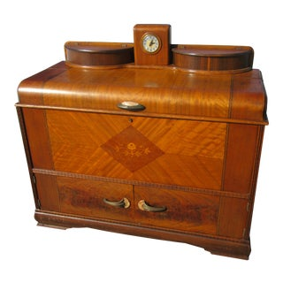 Early 20th Century Art Deco Cedar Chest Inlaid on Front For Sale