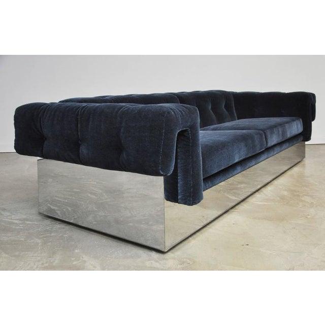 Thayer Coggin Milo Baughman Chrome Case Sofa in Blue Mohair For Sale - Image 4 of 7