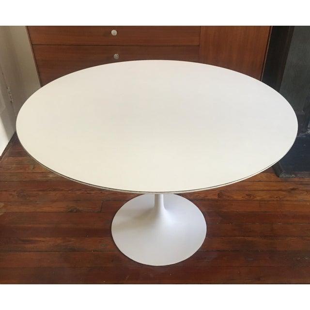 Knoll 1960's Mid Century Modern Eero Saarinen for Knoll Associates Tulip Dining Table For Sale - Image 4 of 9