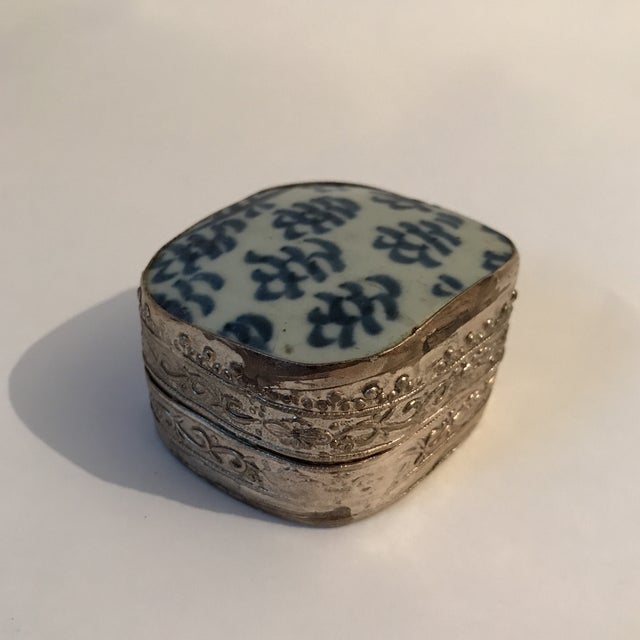Asian Chinese Porcelain Silver Shard Box For Sale - Image 3 of 11