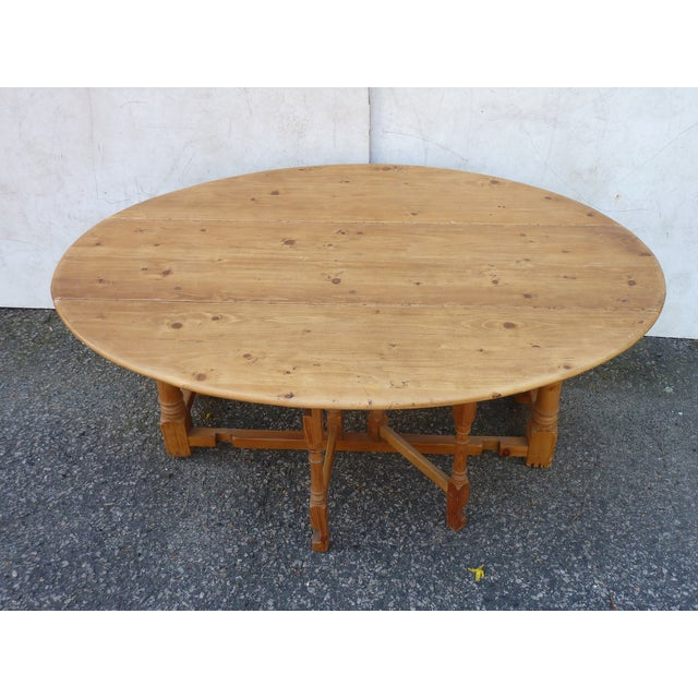 French 20th Century Scandinavian Pine Drop Leaf Coffee Table For Sale - Image 3 of 7