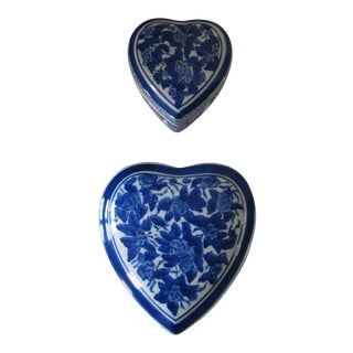 Blue & White Chinoiserie Heart Trinket Boxes-2 Pieces For Sale