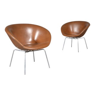 Mid-Century Modern Arne Jacobsen for Fritz Hansen Leather Pot Chairs- A Pair For Sale