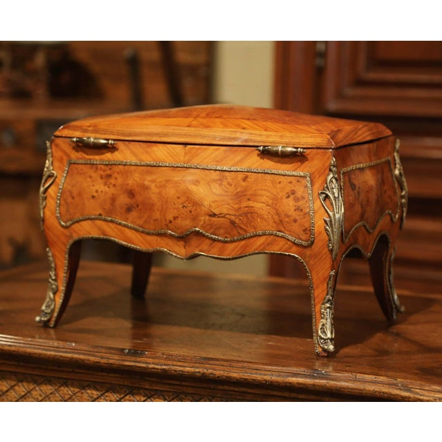 19th Century French Louis XV Bombe Walnut and Burl Jewelry Box With Bronze Mount For Sale - Image 12 of 13