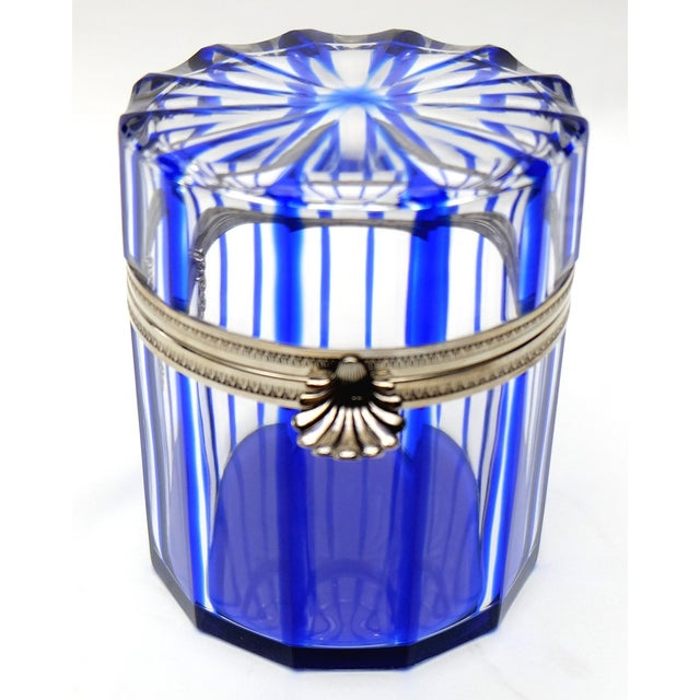 Cristal Benito Cobalt Blue and Cut Crystal Lidded Box, France For Sale In Miami - Image 6 of 9