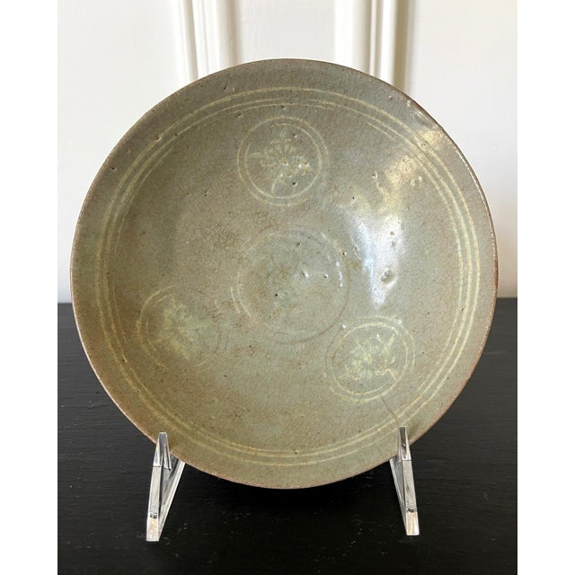 Gray Korean Ceramic Celadon Bowl with Slip Inlay Goryeo Dynasty For Sale - Image 8 of 11