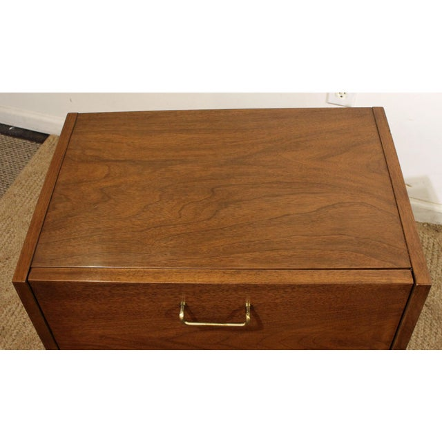 American of Martinsville Mid-Century Modern American of Martinsville Merton Gershun Dania Nightstand For Sale - Image 4 of 11