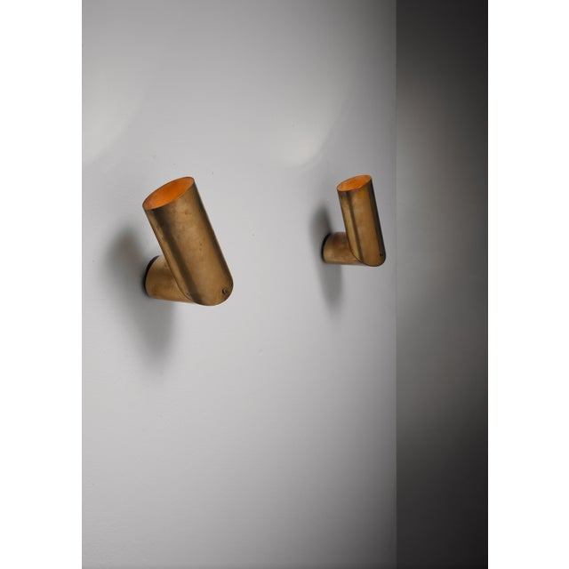 Pair of Arredoluce brass wall lamps, Italy, 1950s For Sale - Image 9 of 9