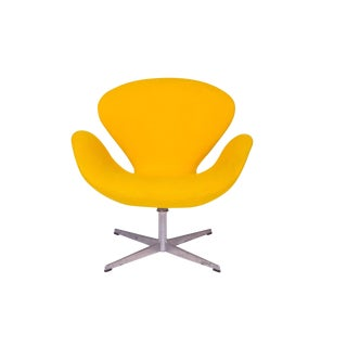 Arne Jacobsen Fritz Hansen All Original Swan Chair For Sale