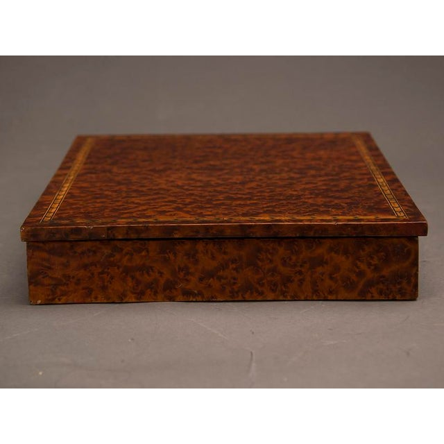 An unusual rectangular table top storage box completely sheathed in extraordinary burl walnut from England c. 1890 For Sale - Image 4 of 7