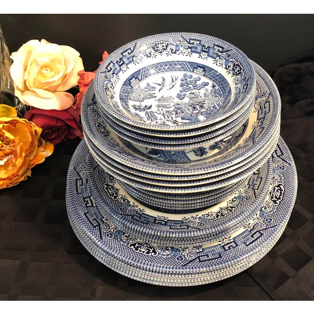 Traditional English Churchill Blue Willow Dinner, Bread, Salad Plates, Soup, Cereal Bowls - 20 Pieces For Sale - Image 11 of 13
