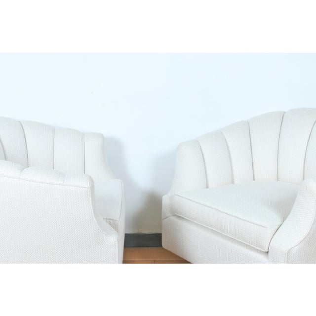 Milo Baughman Attributed Pair of Swivel Chairs For Sale In Los Angeles - Image 6 of 13