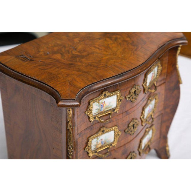 19th Century French Walnut Specimen Louis XV Style Commode For Sale - Image 4 of 9