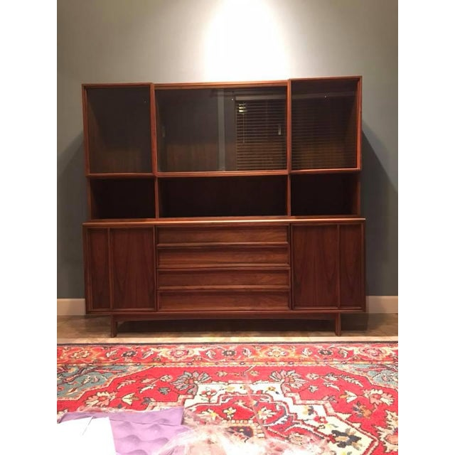 Glass Mid-Century Modern Sideboard + Hutch For Sale - Image 7 of 8