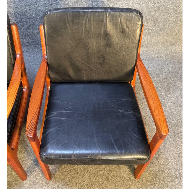 """Pair of Vintage Danish Mid Century Modern Teak and Leather """"Senator"""" Lounge Chairs by Ole Wanscher For Sale - Image 9 of 12"""