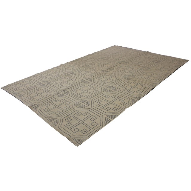 A beautiful modern kilim, handmade by Aara Rugs. Geometric modern design and modern color. This stunning piece will look...