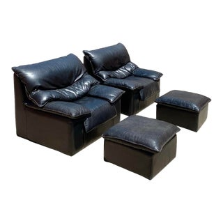 1980s Contemporary Black Leather Lounge Chairs + Pair of Ottomans, Set of 4 For Sale