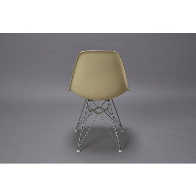 Mid-Century Modern 1950s Mid-Century Modern Charles Eames Fiberglass Shell Chair For Sale - Image 3 of 7