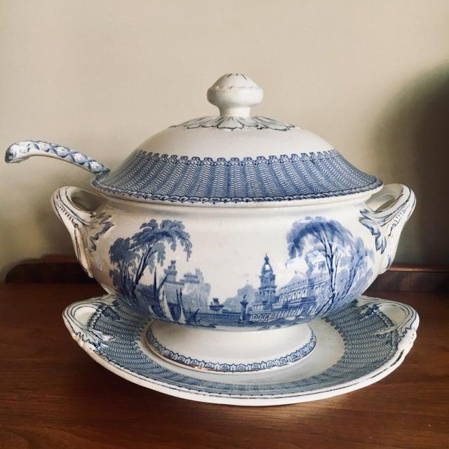 "Soho Pottery ""Pandora"" Pattern Soup Tureen C.1906 For Sale - Image 9 of 9"