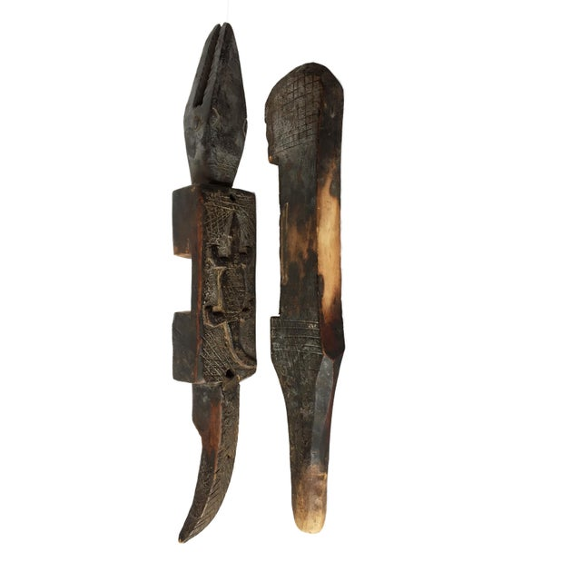 """1950s Rare Old African Dogon Crocodile Door Lock on Stand .Mali 26"""" 3/4 H For Sale - Image 5 of 9"""