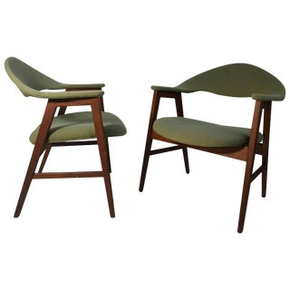 Danish Modern Lounge Chairs in the Manner of Finn Juhl - A Pair For Sale