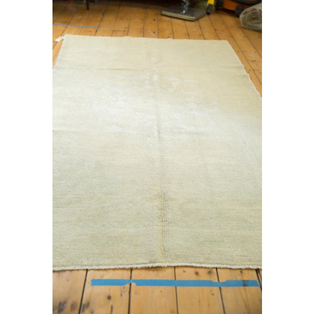 """Old New House Distressed Oushak Rug - 4'6"""" X 8' For Sale - Image 4 of 13"""