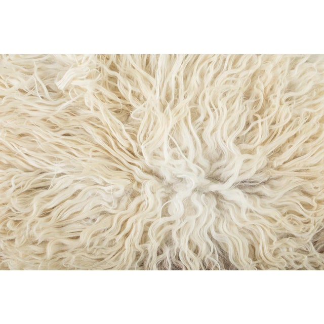 "Children's Contemporary Natural Sheepskin Pelt - 2'2""x3'6"" For Sale - Image 3 of 7"