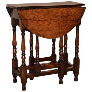 18th Century English Gate Leg Table For Sale