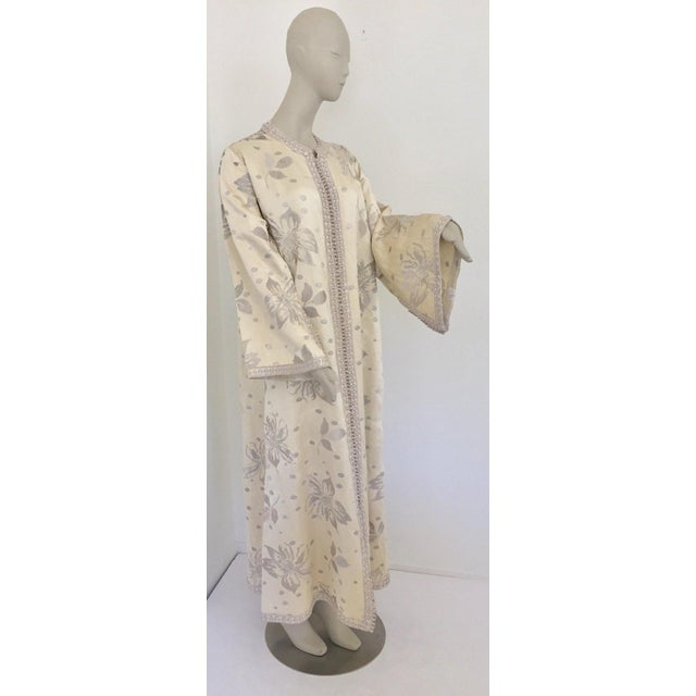 Elegant Moroccan Caftan With Silver Metallic Floral Silk Brocade For Sale - Image 13 of 13