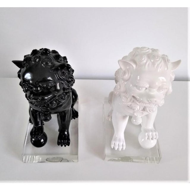 Postmodern Ceramic Vintage Foo Dogs on Lucite Bases - Pair For Sale - Image 3 of 13