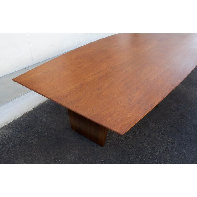 Massive Edward Wormley for Dunbar Walnut and Mahogany Dining / Conference Table For Sale In Dallas - Image 6 of 12