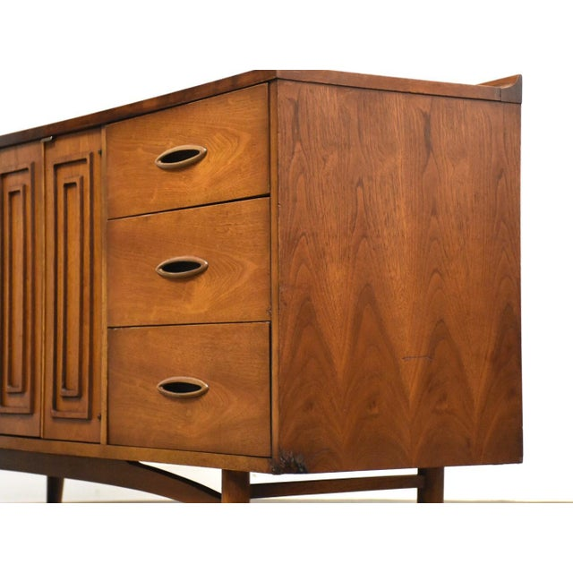 Broyhill Broyhill Sculptra Walnut Long Dresser For Sale - Image 4 of 11