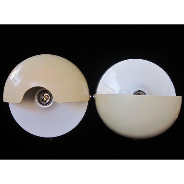 "1970s Vintage 1970s Italian Mod ""Mezzanotte"" Wall Sconces by iGuzzini in Eggshell and White Acrylic With Half-Moon Pivoting Shades For Sale - Image 5 of 13"