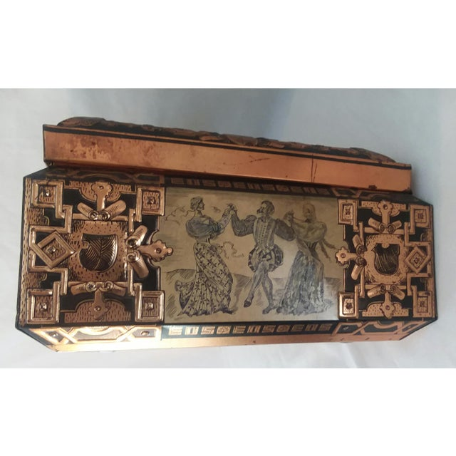 Early 20th Century Antique E. Otto Schmidt Nuremberg Large Biscuit Tin - Medieval Scenes For Sale - Image 5 of 8