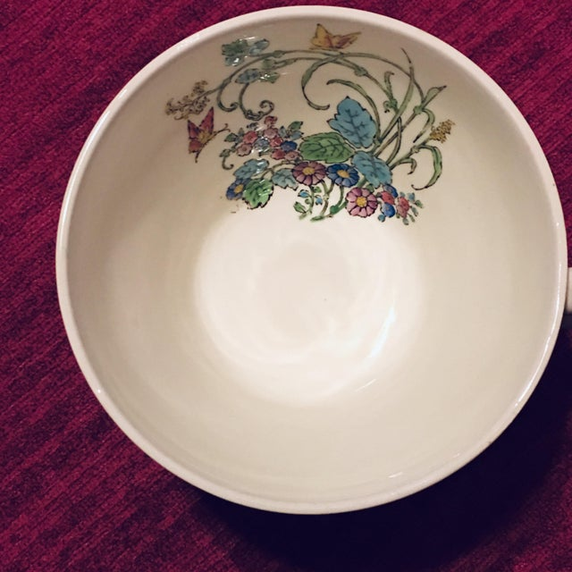 1940s Vintage Wedgwood Montreal Bone China Tea Set of 12 For Sale In Atlanta - Image 6 of 13