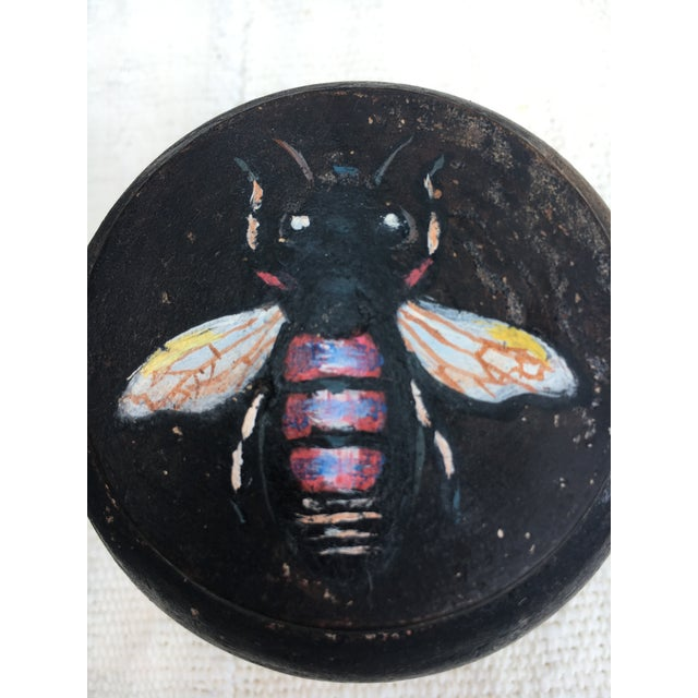 Brown Chinese Geisha Face Powder Bow with Bee. For Sale - Image 8 of 9