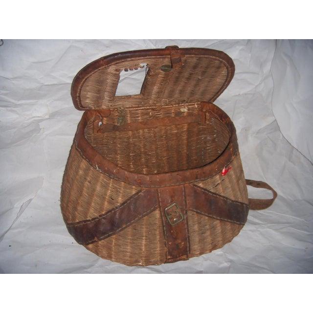Vintage Wicker Fishing Creel Basket - Image 2 of 5