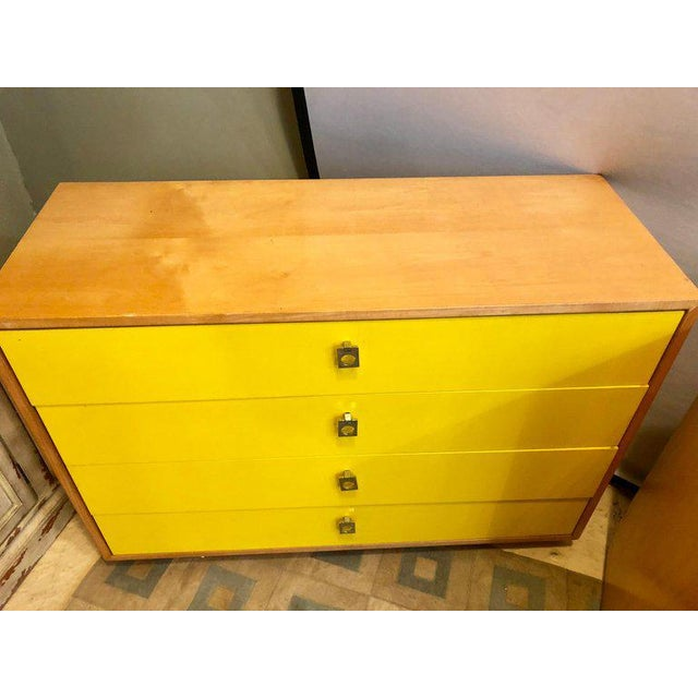 Hollywood Regency Pair of Founders Mid-Century Modern Bachelors Chests or Nightstands or Commodes For Sale - Image 3 of 13