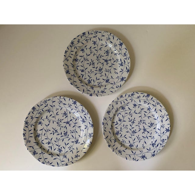 A set of 5 (five) Windsor Browne / Furio Blue & White Floral Stoneware Plates. Includes 2 salad plates and 3 dinner...