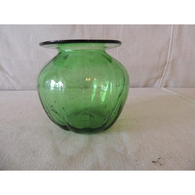 Vintage Emerald Green Bulbous Flower Vase For Sale - Image 4 of 5