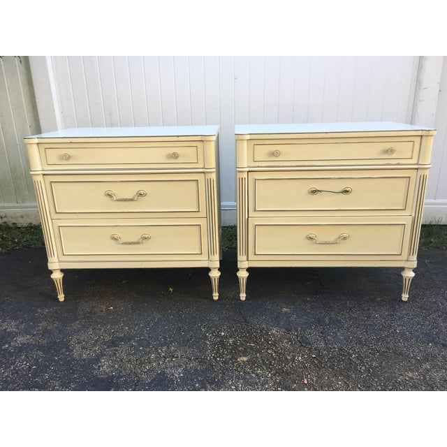 Amazing set of regency vintage thomaseville night stand chests. These white chests are solid wood with Formica tops. Lots...