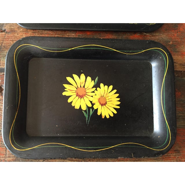 Daisies and Ravens Toile Trays - Set of 3 - Image 4 of 6