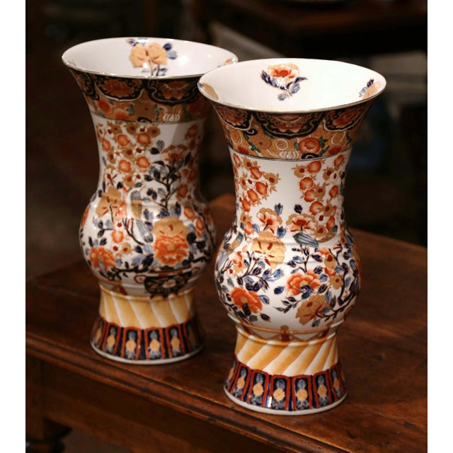 Pair of Early 20th Century Japanese Painted and Gilt Porcelain Imari Vases For Sale - Image 4 of 11