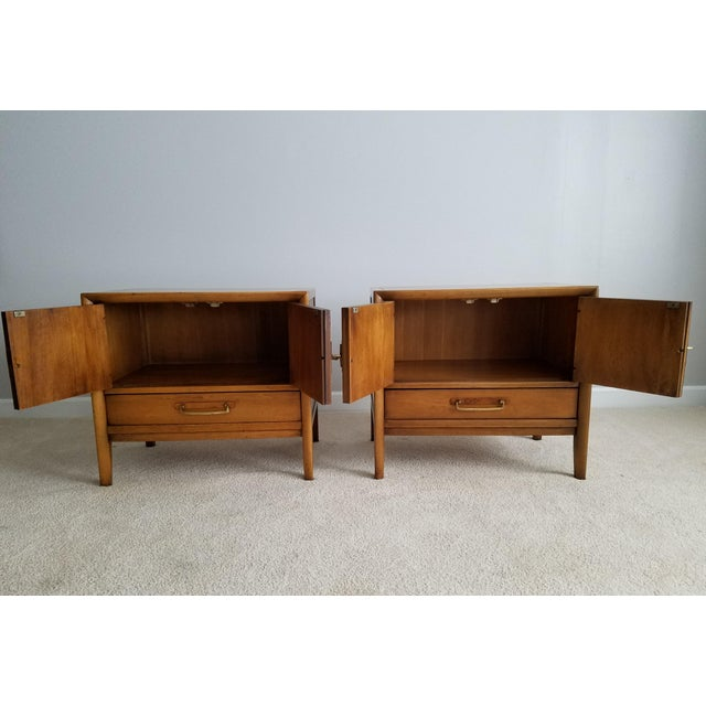 Drexel Meridian Nightstands – A Pair - Image 3 of 11