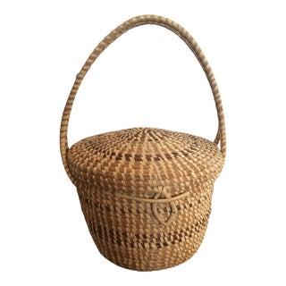 1990s Handwoven Sweetgreen Basket For Sale