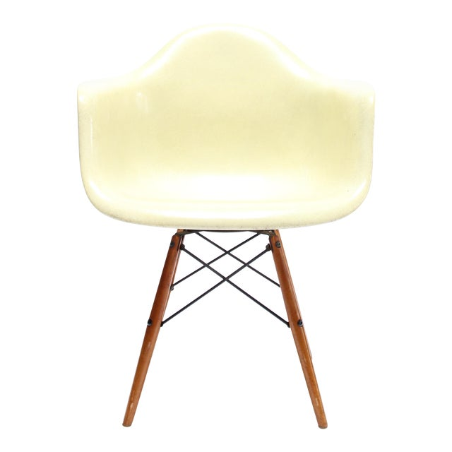 Vintage Eames PAW Swivel chair for Herman Miller For Sale