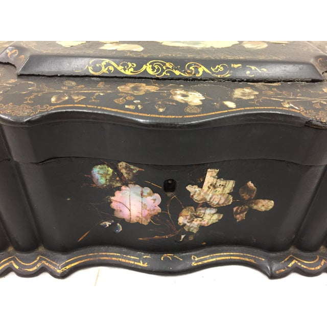 Anglo-Indian Antique Mother of Pearl Chinoiserie Box For Sale - Image 3 of 11