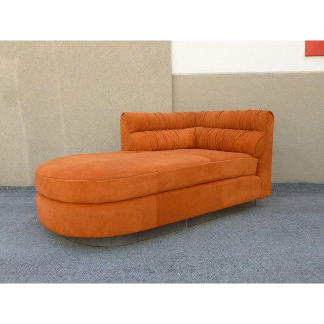 Italian 70's Mod Italian Suede and Lucite Chaise For Sale - Image 3 of 11